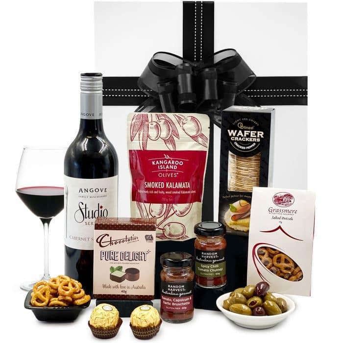 Savoury-and-Wine-Gift-Basket